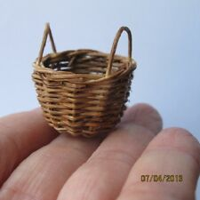 1 x Miniature Small WICKER BROWN empty Basket Doll house  Lot G 1:12