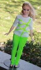 Clothes for Curvy Barbie Doll. T-shirt and Bright green leggings for Dolls.