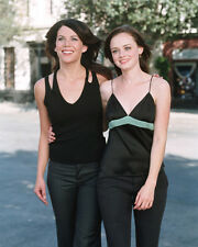 Lauren Graham & Alexis Bledel (44767) 8x10 Photo