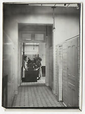 PHOTO Vintage Vers 1910 FRANCE SENS - Les Bains Douches Caisse Cabines Couloir