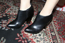 GUESS BY MARCIANO DORA-EU ANKLE BOOTIE SIZE 8M