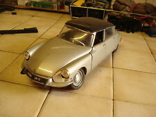 SOLIDO  :  Citroen  DS 19    1963   - -  1/18