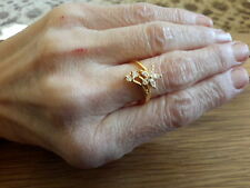 BRAND NEWE 18K  GOLD FILLED RING WITH  DIAMOND  LOOK STONES IN SIZE O + GIFT BOX
