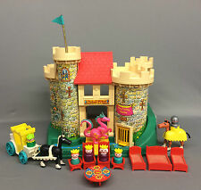 Vintage 70's Fisher Price Little People Play Family CASTLE #993 (100% COMPLETE!)