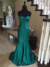 EUC EMERALD GREEN SHERRI HILL PROM/PAGEANT/FORMAL DRESS/GOWN SIZE 2