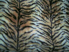 "TIGER ANIMAL PRINT Patterned PELLICCIA TESSUTO 60 ""WIDE venduti al metro"