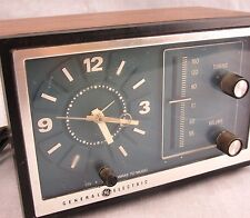 GE Vintage Alarm Clock Radio Wood Grain Bedside Model 7-4728A General Electric