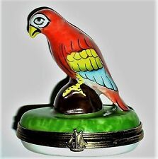 LIMOGES BOX ~ RED MACAW PARROT & ROCK ~ EXOTIC BIRD ~ PIRATE'S SHIP ~ PEINT MAIN