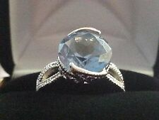 UNMARKED SILVER TONE AQUAMARINE COLOR STONE RING SIZE 7