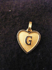 Pendentif Coeur Médaillon en Or Plaqué Lettre G 1,5 cm
