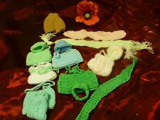 lot  fait main laine   mini,poupée de 15cm 15piéces ,sacs,bonnets ,écharpe assor