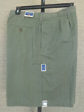 NWT Saddlebred  32 W Pleated Front Cotton Twill Shorts with tech pocket olive
