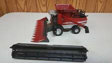 MASSEY FERGUSON COMBINE WITH 2 HEADS  1:64 SCALE  DETAILED ERTL NEW 2014