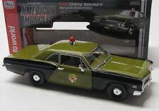 Chevy Biscayne Polizei ( 1966 ) grün / Auto World 1:18