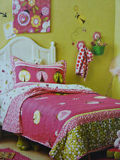 New Circo LADY BUGS COLLECTION Twin Quilt and Sham Set - Pink, Green and White