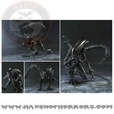 Alien vs. Predator Alien Warrior SH MonsterArt Die-Cast Metal Action Figure