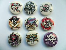 16 pcs Mixed SKULL Patterned Wood  Scrapbooking // Sewing Buttons   20mm