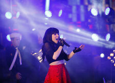 Carly Rae Jepsen UNSIGNED photo - E726 - Canadian singer, songwriter and actress