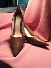 BEAUTIFUL NINE AND CO HEELS NEW SIZE 9