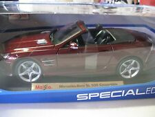 MAISTO 1:18 SCALE MERCEDES-BENZ SL 500 CONVERTIBLE DARK RED