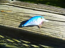 LUCKYCRAFT STYLE CUSTOM PAINTED SQUAREBILL CRANKBAIT BLUE/WHITE HOLOGRAPHIC