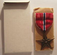 VINTAGE 1944 WW II Bronze Star Medal in BOX