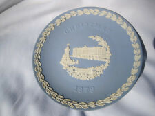 Wedgwood Collector Plate, Christmas 1979, Features Buckingham Palace