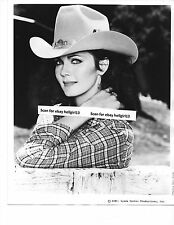 LYNDA CARTER WONDER WOMAN STAR GLAMOUR 2 ORIGINAL VINTAGE glossy b&w movie photo
