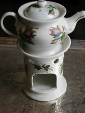 ANCIENNE TISANIERE PORCELAINE DE PARIS ?  DECOR FLORAL ET DORURES