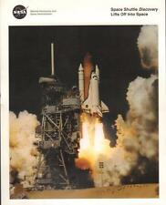 """8 X 10"""" PHOTOGRAPH LG-2000-08-517-HQ NASA  SPACE SHUTTLE DISCOVERY LIFT OFF VGC"""
