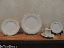 Noritake - Satin Gown - 5 piece place setting - EXCELLENT!