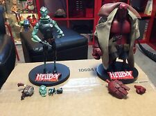 Gentle Giant Animated Hellboy W/ TRENCH COAT Deluxe Action Figure & ABE SAPIEN