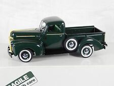 Danbury Mint 1942 Ford Pickup Truck 1:24 w/ Box Village green Excellent