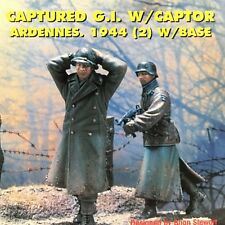 Jaguar Models - 1/35 Catured G.I  w/ Captor ( 2 Resin figures and Base) - 63065