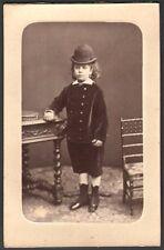 Jeune fille au chapeau melon. Photographe Appert. CDV vers 1875