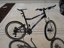 Giant Yukon Mountain Bike 26  Full Suspension