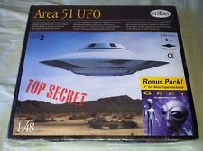 Testors AREA 51 UFO 1/48 Model Kit with Roswell Grey Alien Figure Sealed
