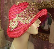 1920'S VINTAGE STYLE RED, GOLD & PURPLE FEATHER CLOCHE FLAPPER HAT
