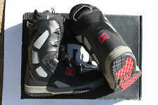 NEW DC SCOUT BLACK SHARK SNOWBOARD SNOW BOOTS MENS SIZE 8