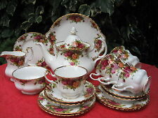 Royal Albert 'Old Country Roses' Bone China 22 Piece Tea Service