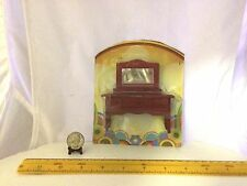 1/16 VINTAGE WOODEN DRESSER WITH REAL MIRROR DOLLHOUSE FURNITURE NOS GREENBRIER