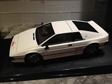 1/18 AUTOART LOTUS ESPRIT TURBO WHITE 007 JAMES BOND MOVIE CARE MINT MEGA RARE**