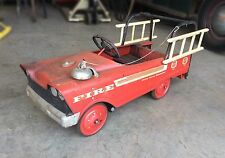 VINTAGE MURRAY FLAT FACE FIRE TRUCK PEDAL CAR WITH LADDERS