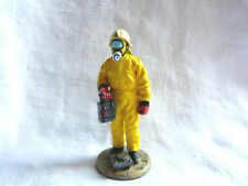 Figurine pompier Delprado - Fireman  with chemical protection dress Germany 1996