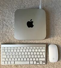 Apple mac mini (fin 2012) 2.3GHz quad-core i7-506GB SSD-4GB ram + souris/clavier