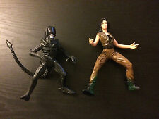 Alien Figure Lot 1993 Ripley 1997 Xenomorph