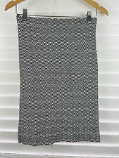 MISSONI for Target sz XS (or 8 ) womens Black / White Print Stretch Skirt