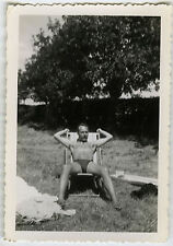PHOTO ANCIENNE - HOMME GAY JARDIN MUSCLE TORSE NU - MAN SLIP - Vintage Snapshot