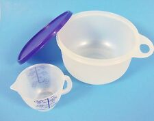 NEW Tupperware Children Sealed Mixing Bowl 5004A-4 w/ measuring cup 1402-12