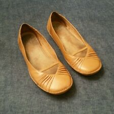Women's Clark's Artisan Collection Natural Leather Flat Comfort Shoes Size 10M